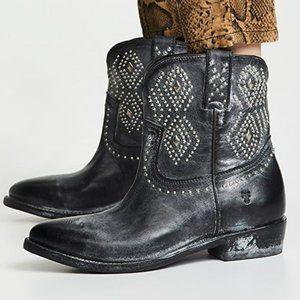NIB Frye Billy Stud Western Short Ankle Boots 6